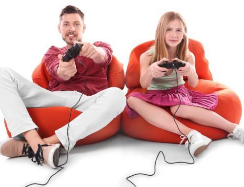 Spiele und die Rolle der Eltern – Niki Laber im hello-familiii-Interview